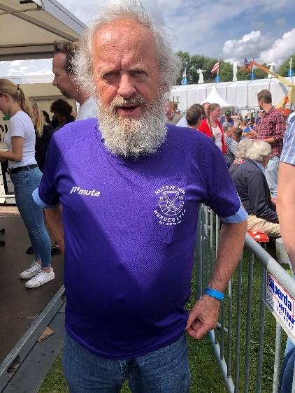 In Amsterdammer yn 't shirt fan Reitsje Him